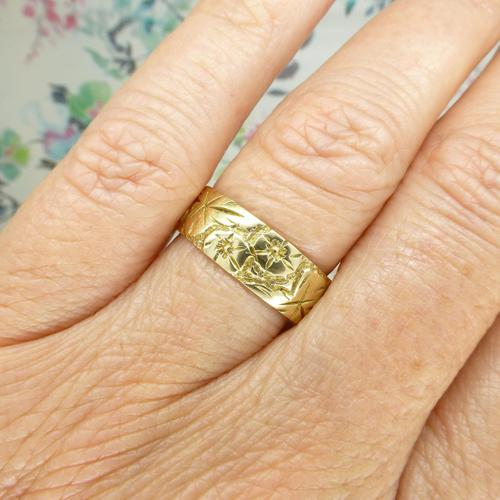 Vintage 9ct Solid Gold Engraved Wedding Band Dated London 1969~ Etched Ring (1 of 11)