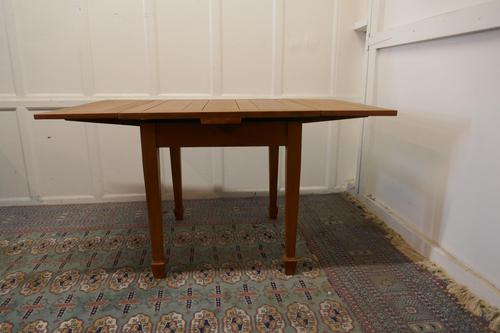 Blonde Mahogany Cottage Draw Leaf Table (1 of 8)