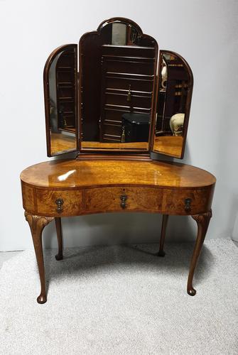 Superb Burr Walnut Dressing Table (1 of 13)