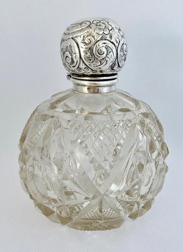 Large Silver Mounted Scent Bottle (1 of 8)