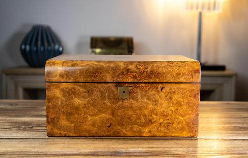 Burr Walnut Ladies/Jewellery Box 1870 (1 of 9)
