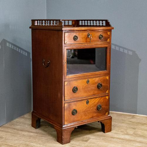 Display cabinet and chest (1 of 10)