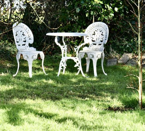 Nicely Weathered Painted Metal Bistro Set Table & 2 Chairs (1 of 5)