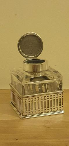 Inkwell in Silver Gallery Surround Chester 1900 (1 of 8)