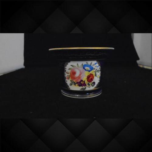 English Porcelain Circular Inkwell (1 of 11)
