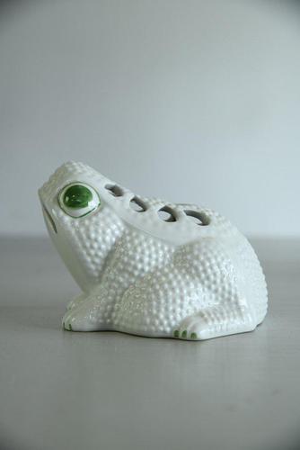 Jean Roger Style Frog Vase (1 of 7)