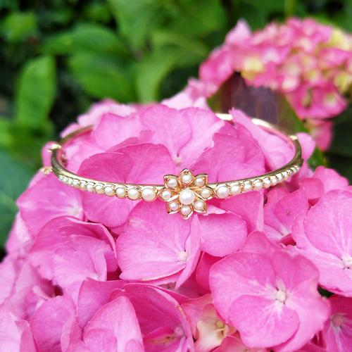 Vintage 14ct Gold French Pearl Floral Bangle (1 of 9)