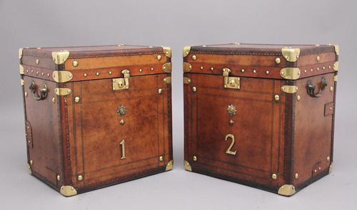 Pair of 20th Century Leather Bound ex Army Trunks in Excellent Condition (1 of 11)