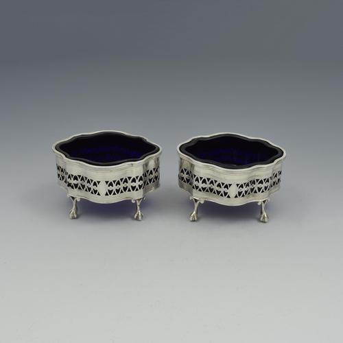 Pretty Pair of Victorian Pierced Neoclassical Salts Chester 1900 (1 of 13)