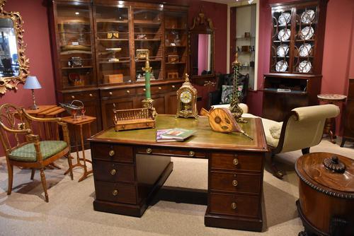 George III 18th Century 'Plum Pudding' Mahogany Partner's Desk (1 of 3)