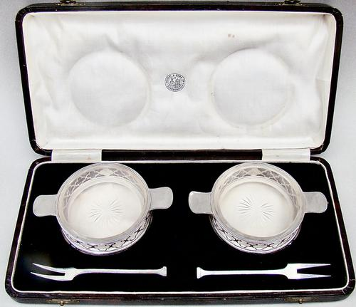 Cased Pair of Art Deco Silver Butter Dishes by Charles Perry & Co, Chester 1926 (1 of 8)