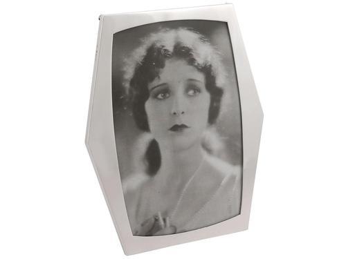 Sterling Silver Photograph Frame - Antique George V (1919) (1 of 9)