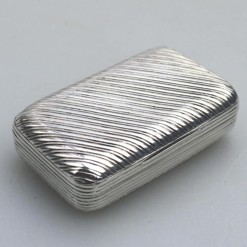 Good French Solid Silver Reeded Rectangular Snuff Box c.1830 (1 of 10)