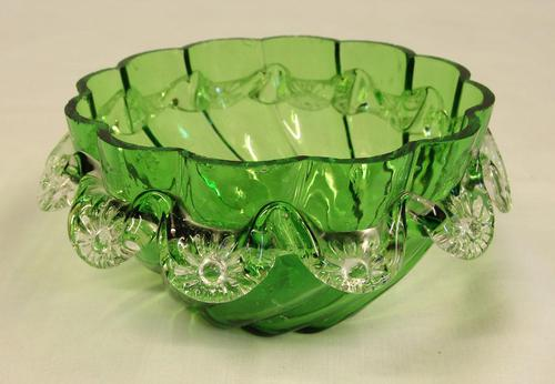 Antique Victorian Green Glass Frilled Bowl (1 of 6)
