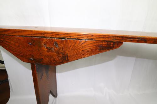 An 18th century elm bench (1 of 8)
