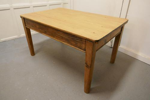 Lovely Rustic Georgian Pine Kitchen Table (1 of 6)