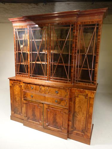 An Early 20th Century Mahogany Breakfront Bookcase of the Finest Quality (1 of 4)