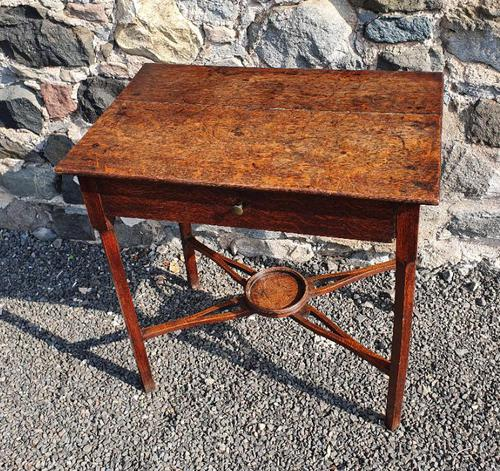 Pretty Little Georgian Oak Side Table (1 of 7)