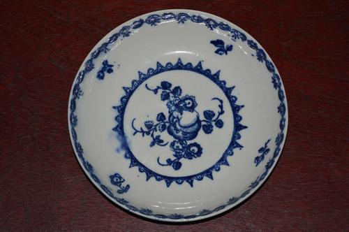 c18th Century Caughley 'Fruit and Wreath' Pattern Porcelain Saucer (1 of 5)