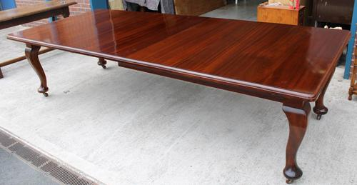 1920s Quality Mahogany Wind Out Dining Table + 3 Leaves on Cab Legs (1 of 3)