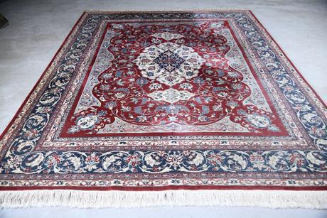 Large Quality Esfahan Rug (1 of 13)