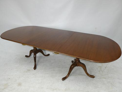 Georgian Style Eight Seater Dining Table (1 of 8)