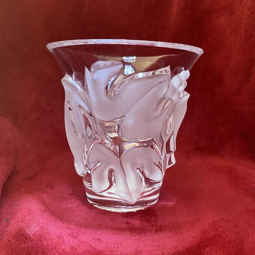 """Lalique """"Saumur"""" Leaf and Berry Pattern Clear and Frosted Glass Heavy Vase (1 of 7)"""