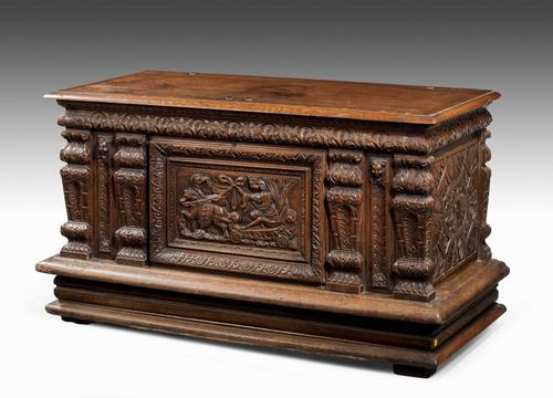 Mid-18th Century Finely Carved Oak Kist or Coffer (1 of 7)