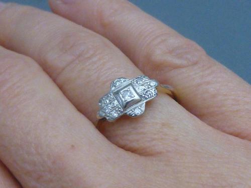 Art Deco 18ct gold,platinum and diamond ring (1 of 1)