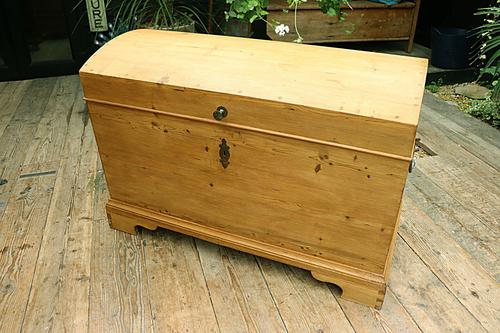 Wow! Big! Old Pine Domed Blanket Box / Chest / Trunk - We Deliver! (1 of 10)