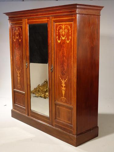 Very Fine Early Victorian Period Inverted Breakfront Wardrobe (1 of 5)