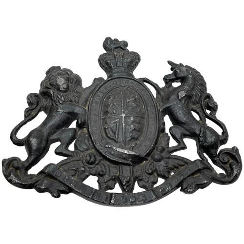 Antique Victorian Lead British Royal Coat Arms Plaque (1 of 12)