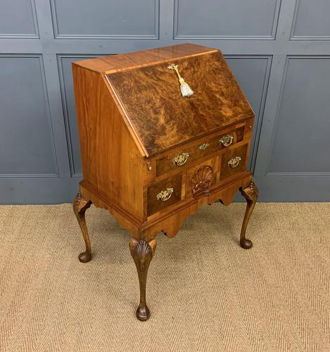 Very Good Queen Anne Style Burr Walnut Bureau (1 of 18)