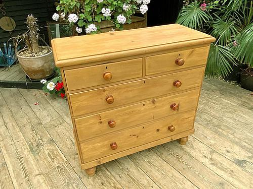 Fabulous & Large Old Pine Chest of Drawers (1 of 8)