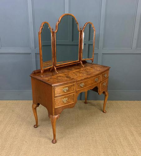 Burr Walnut Bow Fronted Dressing Table (1 of 19)