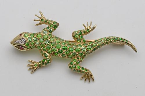 19ct Gold Demantoid Garnet Salamander Brooch (1 of 6)