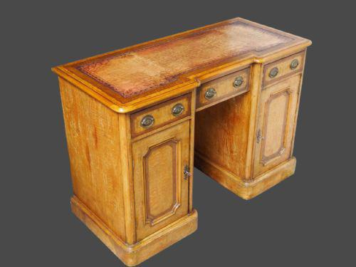Pedestal Desk / Dressing Table by Lamb of Manchester (1 of 2)