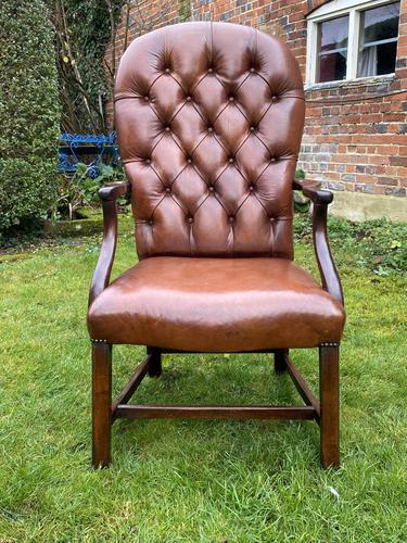 Buttoned Leather Armchair (1 of 8)