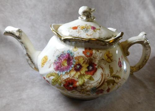"19th  Century S. Fielding & Co ""Sevres"" Pattern Teapot (1 of 8)"