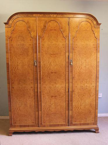 Quality Burr Walnut Triple Wardrobe c.1930 (1 of 15)