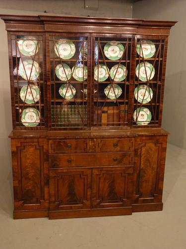 Early 20th Century Mahogany Breakfront Bookcase of the Finest Quality (1 of 7)