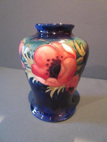 Early Moorcroft Anemone Baluster Shaped Vase (1 of 8)