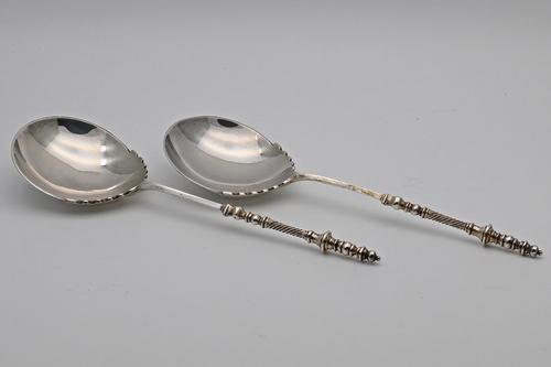 Heavy Pair of Victorian Silver Serving Spoons in Box (1 of 6)