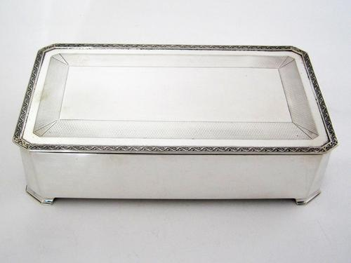 Art Deco Style Mappin & Webb Silver Table Cigar or Trinket Box (1 of 6)