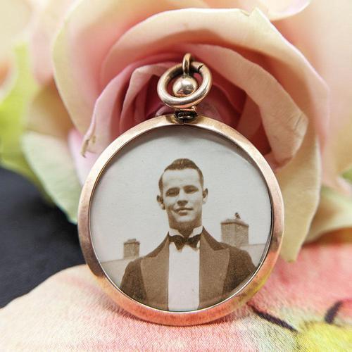 Vintage 9ct Rose Gold Photo Frame Locket Pendant (1 of 7)