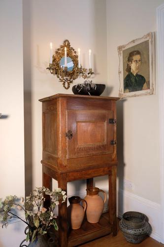 17th Century Oak Pot Cupboard with Open Shelf Below (1 of 15)