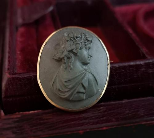 Antique Lava cameo brooch, 9ct gold (1 of 8)