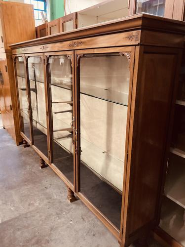 Shop Display Cabinet (1 of 21)