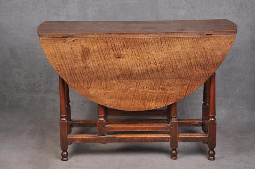 17th Century Figured Oak Gateleg Table (1 of 11)