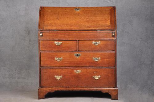 Early 18th Century Oak Bureau (1 of 14)
